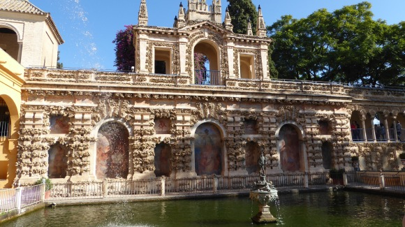 The Mercury Pond in the Alcázar.