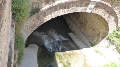 ...through the Puente Cabrera....